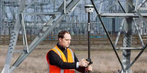 Trimble R2 GNSS Receiver GIS Data Collection | GeoInformatics