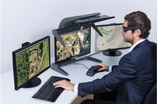 Innovative 3D stereo workingwith3D PluraView passive 3D monitors